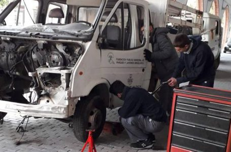 Valencia City Council donates obsolete vehicles to mechanics vocational training centres