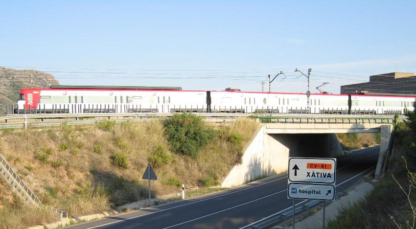 Adif will invest some 700,000 euros in improvement works at different points on the Xàtiva-Alcoi line