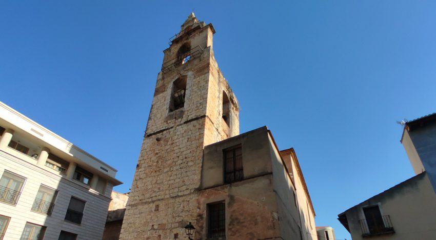 Alzira gives a period of three months to the parish Santa Catalina to start the consolidation of the bell tower