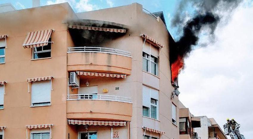 A fire breaks out in a flat in El Campello