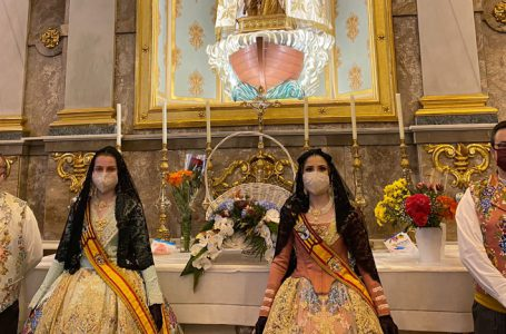 The Falleras Mayores of Dénia, faithful to their appointment with the Ofrena
